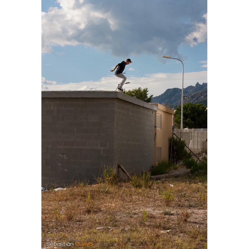 Xavi truqueando con el Skate